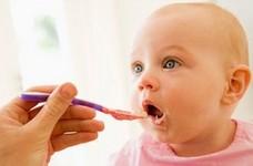Feeding baby solids